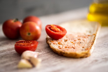 Bread With Tomato And Olive Oil
