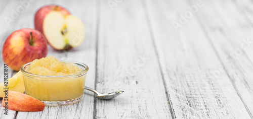 Photo Portion of fresh made Applesauce (selective focus)