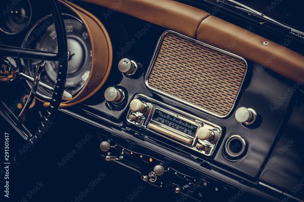 Fototapety, obrazy: Classic vintage car stereo