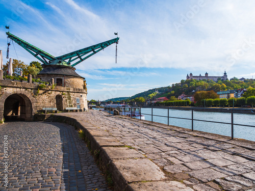 Foto auf AluDibond Schiff City with castle and river and bridges in Germany