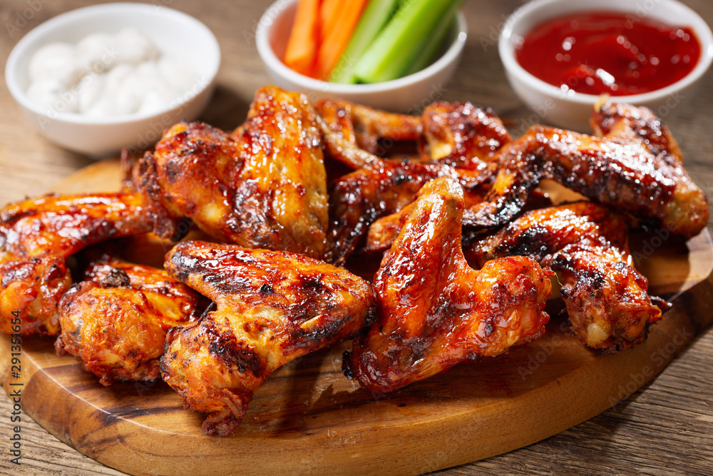 Fototapety, obrazy: plate of grilled chicken wings