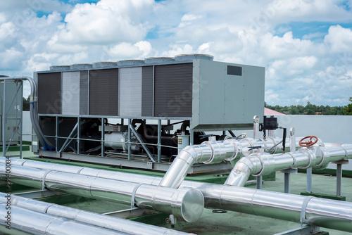 Cuadros en Lienzo Pressure gauge on condenser water pump, measuring instrument in Air cooled water