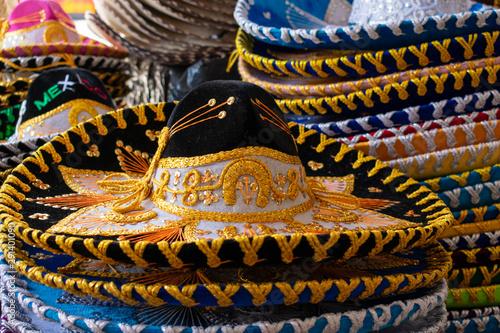 Cuadros en Lienzo  El sombrero de charro mexicano, es un sombrero popular de la cultura mexicana, u