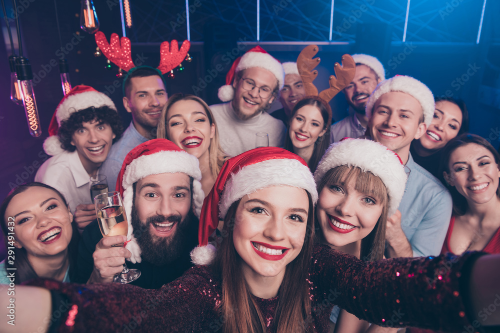 Fototapeta Self-portrait of nice-looking attractive lovely cheerful cheery positive glad funny ladies and guys having fun rest relax chill out time at luxury fogged nightclub indoors