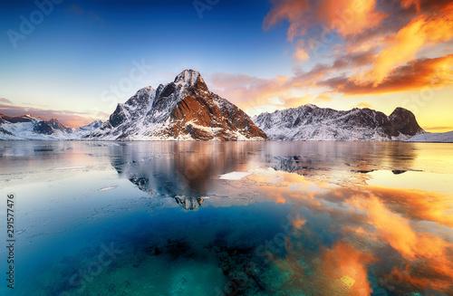 Fototapeta Beautiful sunrise in Norway - lofotens obraz