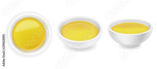 Stampa su Tela  Realistic olive oil in sauce bowl set