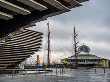 RRS Discovery And The V&A In D...