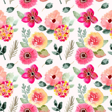 Beautiful Pink Floral Watercolor Seamless Pattern