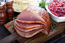 Holiday Glazed Ham For Christm...