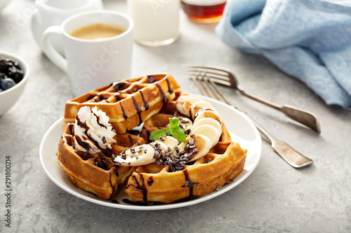 Pinturas sobre lienzo  Breakfast waffles with bananas and chocolate sauce