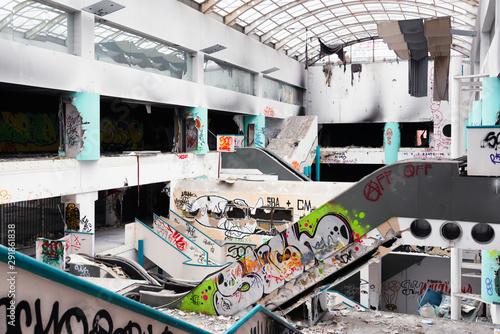 abandoned shopping mall © Federico Rostagno