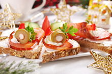 Christmas Canapes With Salmon ...