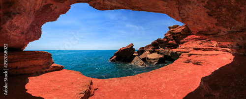 Cadres-photo bureau Rouge mauve gantheaume point at high tide