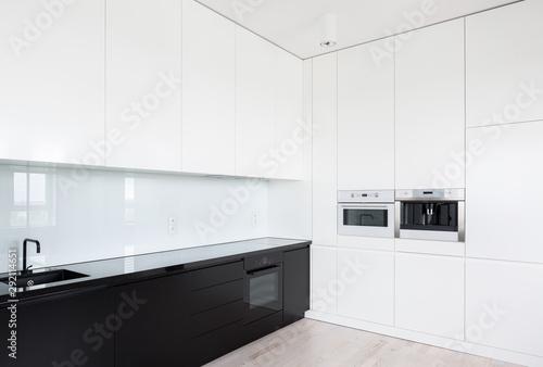 Fototapeta Black and white elegant kitchen obraz
