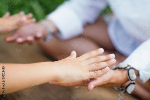 Healing Hands Fotobehang