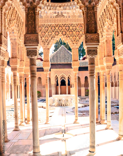 Canvastavla  Courtyard of the Lions located inside the Nasrid monument of the Alhambra in the
