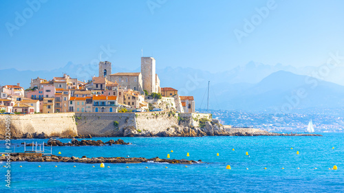 Photo Historic center of Antibes, French Riviera, Provence, France.