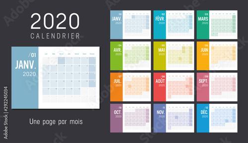 Photo Calendrier Agenda 2020 couleur. Une page par mois.