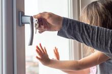 Window Handle Lock. Key Lockin...