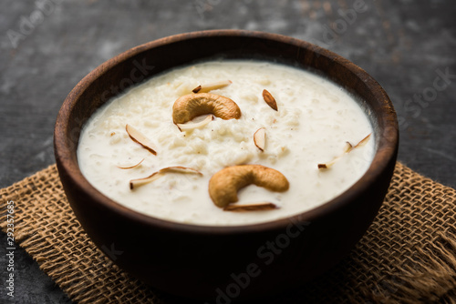 Fényképezés Rice Kheer or Firni or Chawal ki Khir is a pudding from Indian subcontinent, made by boiling milk ,sugar and Rice