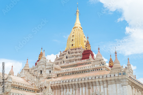 Photo amazing temples of bagan in myanmar