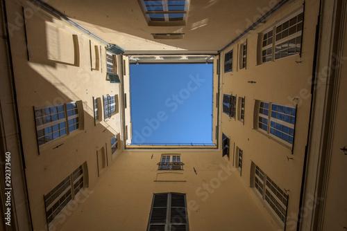 Montage in der Fensternische Barcelona Italian sky