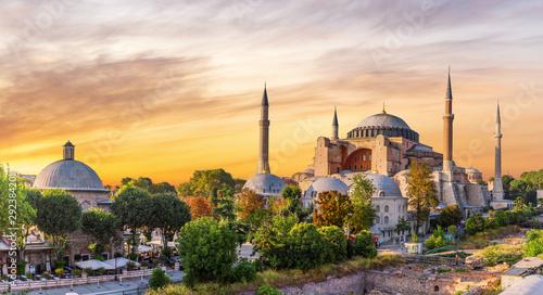 Staande foto Oude gebouw Hagia Sophia panoramic view at sunset, Istanbul, Turkey