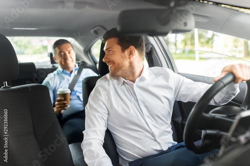 Photographie transportation, vehicle and people concept - male car driver talking to middle a