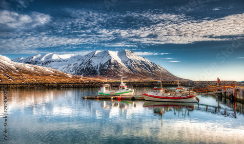 Autocollant pour porte Europe du Nord Fishing port in Olafsfjordur - Iceland