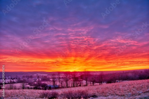 Poster Crimson Beautiful scenery of the sunrise in the countryside of Northwest Pennsylvania
