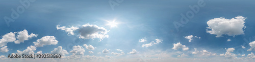 Fotografía Seamless cloudy blue sky hdri panorama 360 degrees angle view with zenith and be