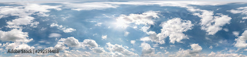 Foto Seamless cloudy blue sky hdri panorama 360 degrees angle view with zenith and be