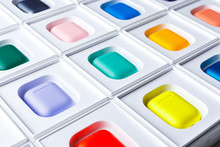 Apple AirPods Wireless Bluetoo...