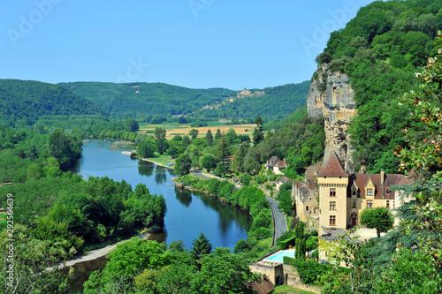 Obraz La Roque-Gageac in der Dordogne in Frankreich - fototapety do salonu