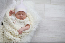 Baby Newborn Sleeping Wrapped ...