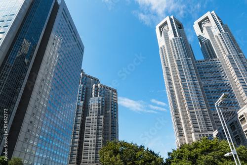 (東京都ー都市風景)青空の下の西新宿高層ビルと都庁5 Canvas Print