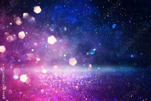 Obrazy fioletowe  streszczenie-swiecidelka-rozowy-fioletowy-i-niebieski-tlo-swiatla-rozogniskowany