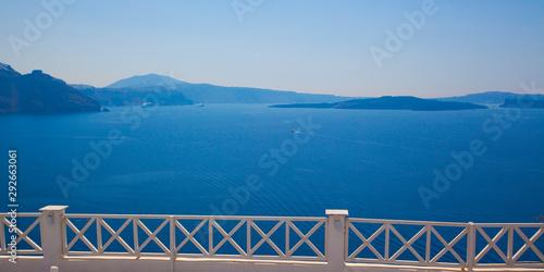 Foto auf AluDibond Santorini Beautiful view of famous romantic white town in Santorini Island, Greece