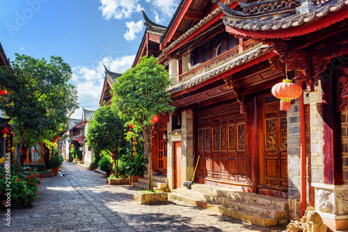 Leinwanddruck Bild - efired : Scenic view of cozy street in the Old Town of Lijiang