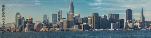 Staande foto Stad gebouw San Francisco Ca. business district seen from Treasure Island on a clear day