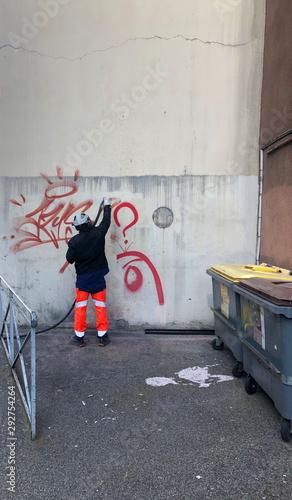 Photo nettoyage de graffiti