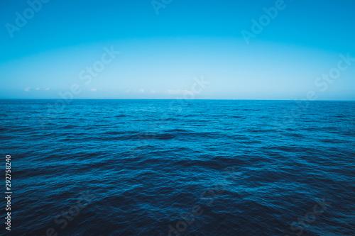 Cuadros en Lienzo seascape, ocean horizon and blue sky