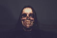 Demonische Frau
