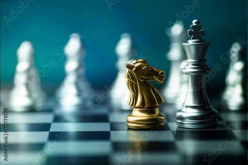 Fotografía  chess boad game to practice planing and stratagy, business thinking concept
