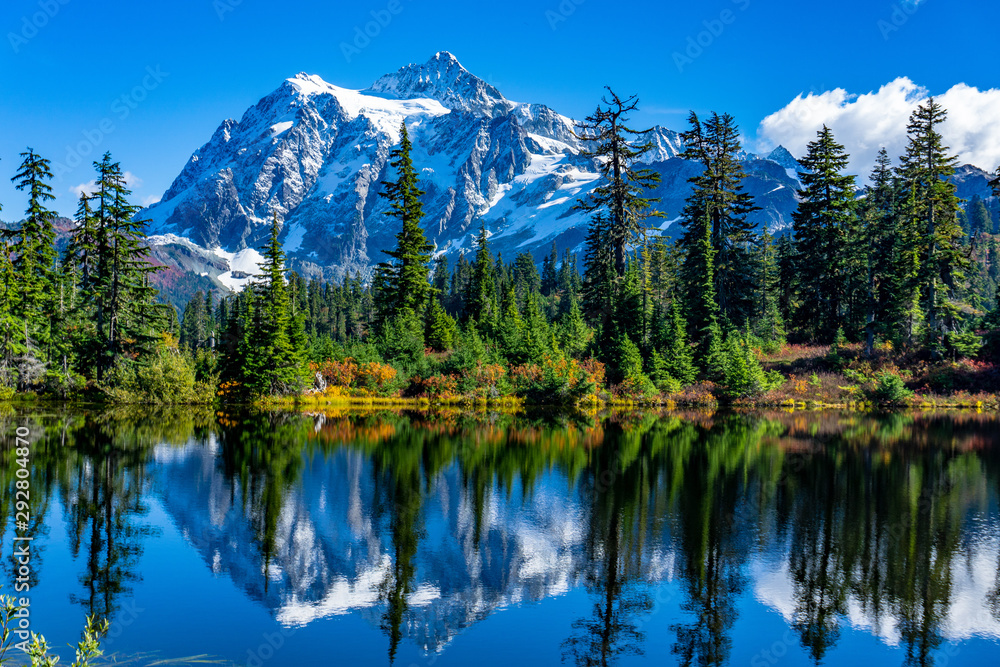 Fototapety, obrazy: Picture Lake Reflection of Mount Shuksan