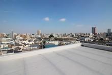 屋上防水と住宅地の眺...