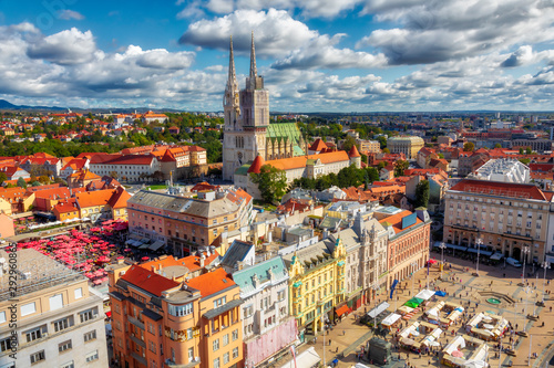 Obraz Ban Jelacic Square. Aerial view of the central square of the city of Zagreb. Capital city of Croatia. Image - fototapety do salonu