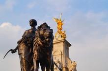Victoria Memorial London