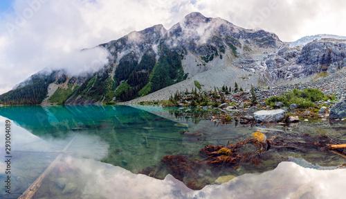 Poster Kaki Mountain Landscape view at Upper Joffre Lake