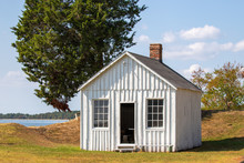 Historic Cabin At Point Lookou...
